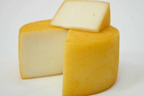 Cыр из козьего молока Гельбара
