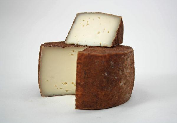 Полутвердый сыр Гайерт