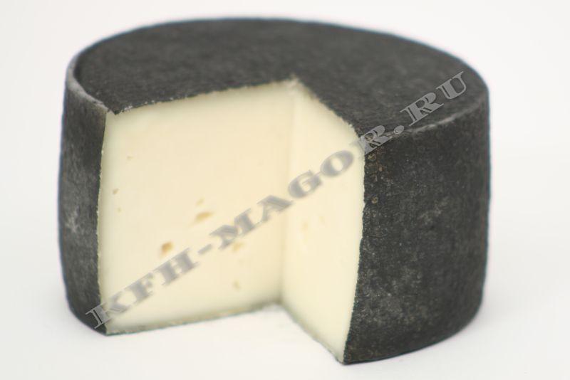Полутвердый сыр из козьего молока